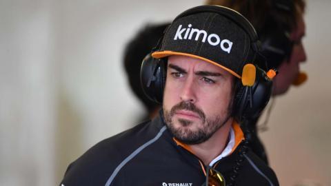 Alonso en el box del GP México