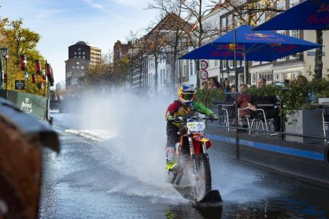 Robbie Maddison en el Canal de La Haya