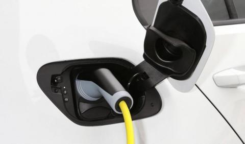 Tres ventajas y tres inconvenientes del coche eléctrico