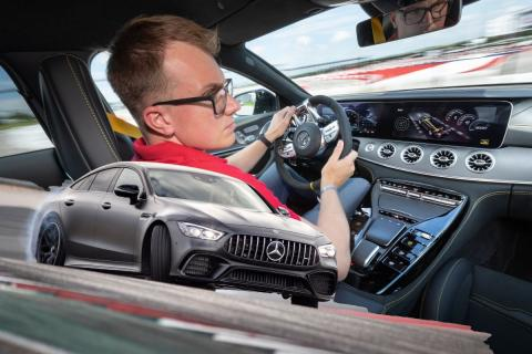 Al volante: MG GT 4 puertas