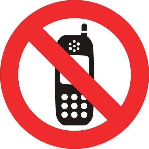 Prohibido móviles en gasolineras