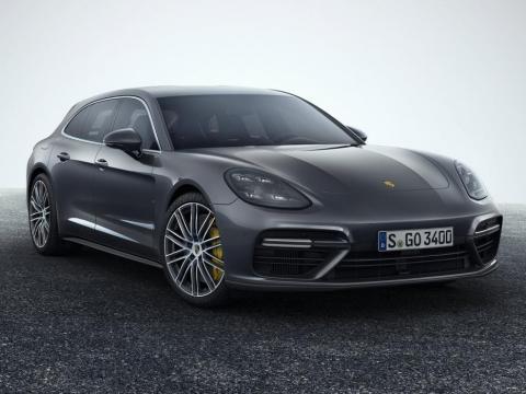Stephen Curry choca con su Porsche Panamera