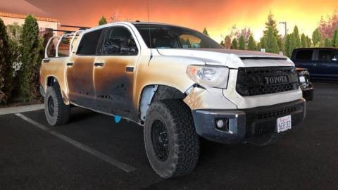 Toyota Tundra incendio California