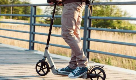 Tres cosas que no puedes hacer en Madrid con un patinete eléctrico... Y casi nadie sabe