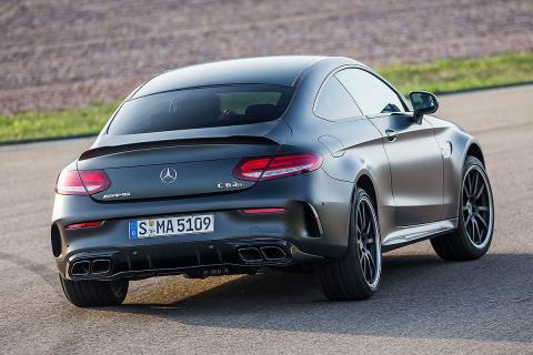 Mercedes-AMG C 63 S Coupé vs berlina
