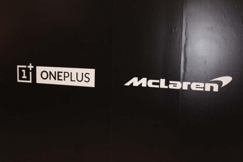 Sainz y Norris nos presentan el nuevo OnePlus 6T McLaren Edition en Woking