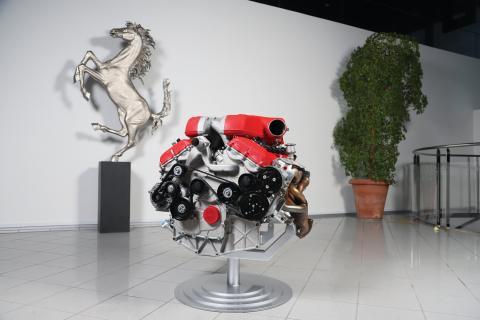 A subasta un motor V12 de Ferrari