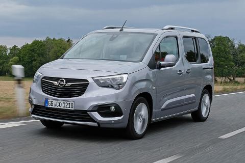 Al volante del Opel Combo Life