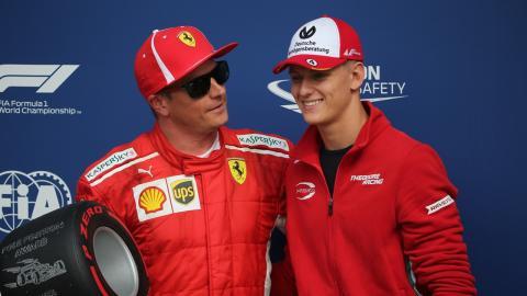 Mick Schumacher y Kimi Raikkonen