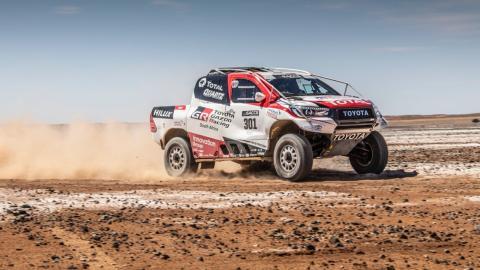 Alonso Toyota Hilux Dakar