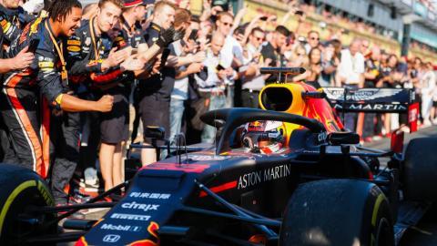 Ovación a Verstappen por su podio en Australia