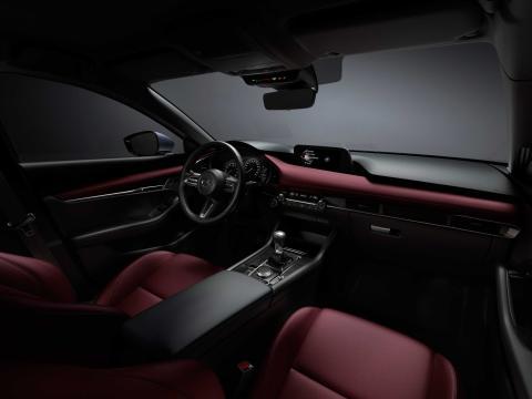 Nuevo Mazda 3 puesto conducción