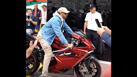 moto altas prestaciones edicion limitada LH44 F4 F1