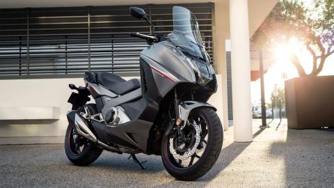 motos scooter maxiscooter urban gt carretera ciudad
