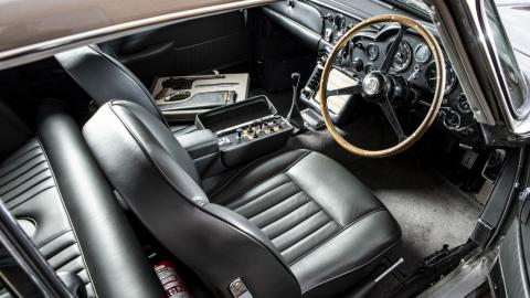 Aston Martin DB5 de James Bond