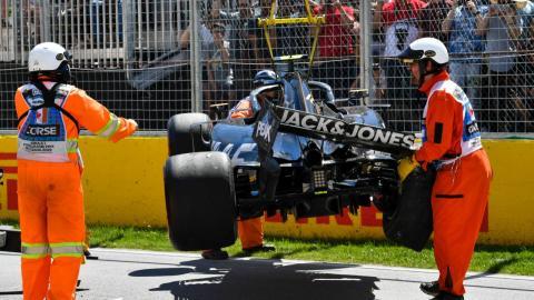 Retirada coche de Magnussen en Canadá