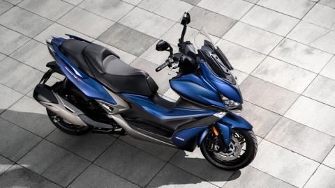 maxiscooter scooter potencia tecnologia lujo altas prestaciones