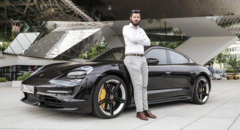 El fundador de Rimac prueba el nuevo Porsche Taycan y queda muy impresionado