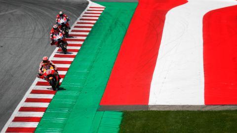 bandera marquez ducati lorenzo dovizioso