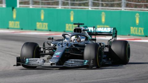 Hamilton gana en Rusia