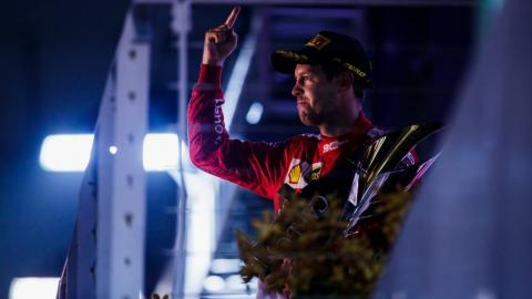 Sebastian Vettel gana en Singapur