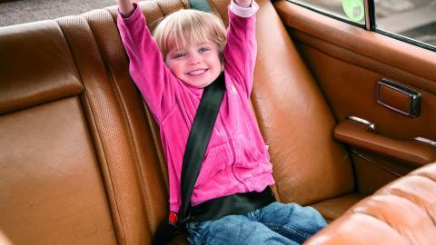 errores más comunes al llevar niños en el coche