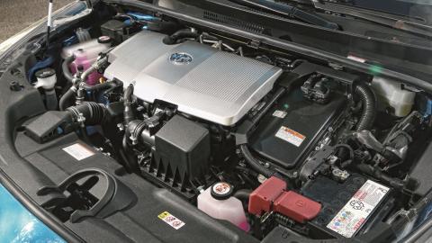 Prueba Toyota Prius 125H AWD-i