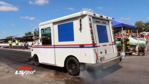camión reparto postal V8
