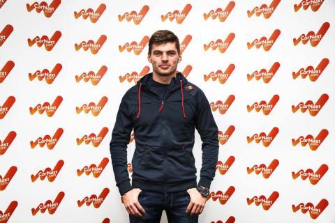 Entrevista con Verstappen en la sede de Red Bull Racing