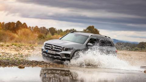 Prueba Mercedes GLB off-road vadeo
