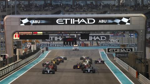 Salida del GP Abu Dhabi F1 2019