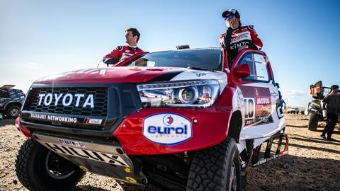 Alonso y Coma en el Dakar 2020