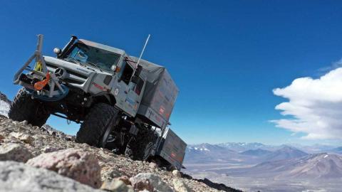 Mercedes Unimog récord altitud