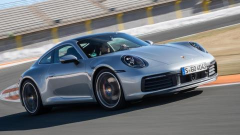Porsche 911 o Audi TT RS