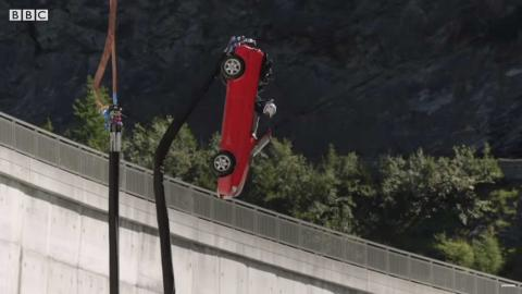 Top Gear hace puenting
