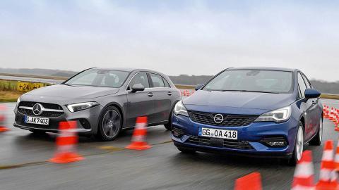 El Opel Astra no se lo pone fácil al Mercedes Clase A, aunque no tenga el marchamo 'premium'. Y es que destaca con los mejores asiento y un motor ahorrador que, aunque menos potente, le permite unas prestaciones a la altura de su contrincante. Pero el Mercedes tiene un comportamiento más refinado en general, y el sistema multimedia MBUX que hoy por hoy, en mi opinión, es el mejor que hay en el mercado.