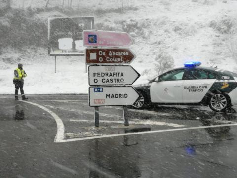 Carreteras cortadas y restringidas debido al temporal