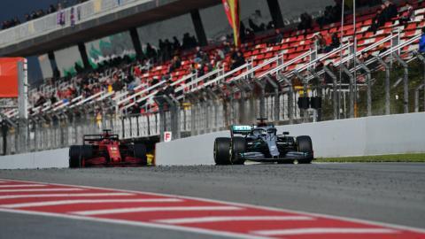 Mercedes y Ferrari en los test de barcelona