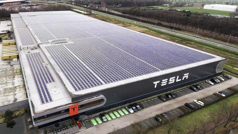 Tesla produccion
