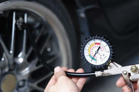 Aprende qué presión poner en tu coche