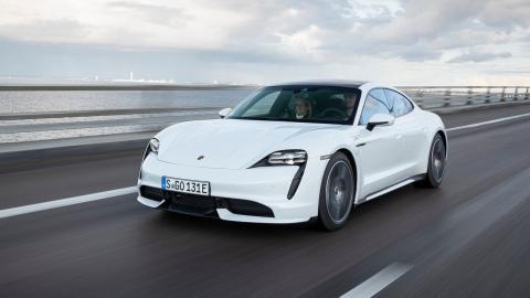 Drift Porsche Taycan Turbo