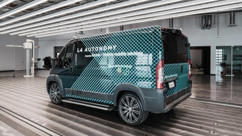 furgoneta electrica autonoma Karma