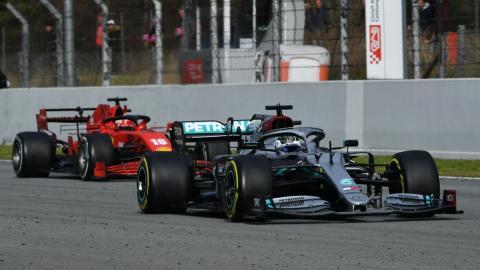 Ferrari y Mercedes en los test Barcelona