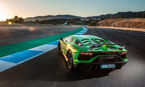 Prueba del Lamborghini Aventador SVJ en circuito