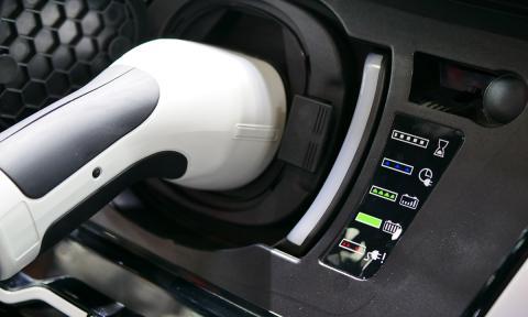 coche electrico pasan de el jovenes