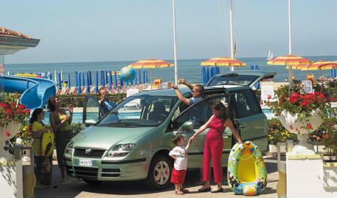 La Guardia Civil da las cuatro claves para un viaje seguro en coche