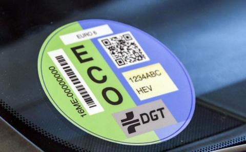 Multas por no llevar etiqueta DGT