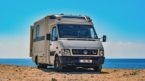 alquilar-autocaravana-caravana-camper