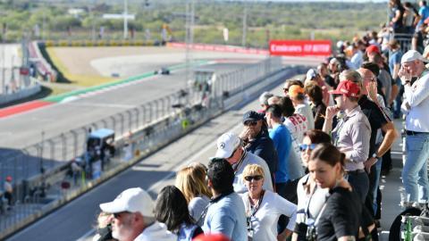 Carrera F1 con publico