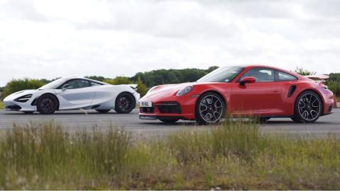 Porsche 911 Turbo S 2020 vs McLaren 720S